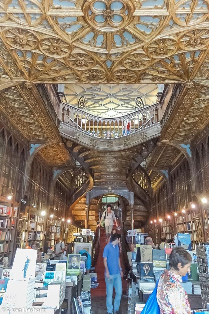 Lello e Irmão bookstore