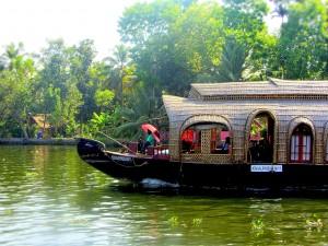 Verbouwde rijstboot