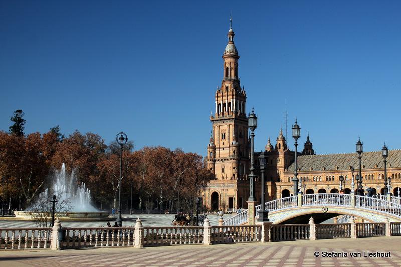 Het grootste plein van Sevilla