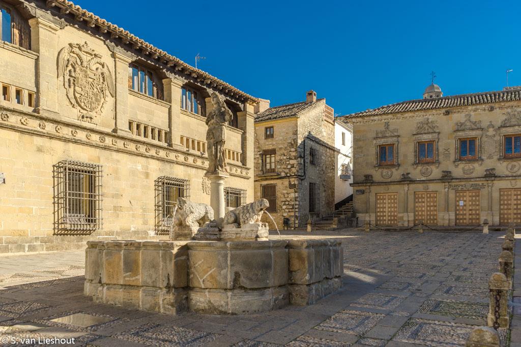 Fountain Baeza