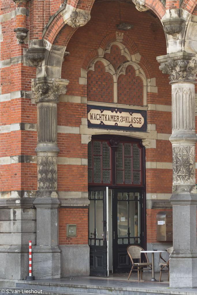 treinstation Groningen wachtkamer