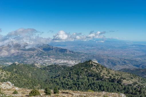 Sierra de las Nieves Malaga uitzicht over Yunquera