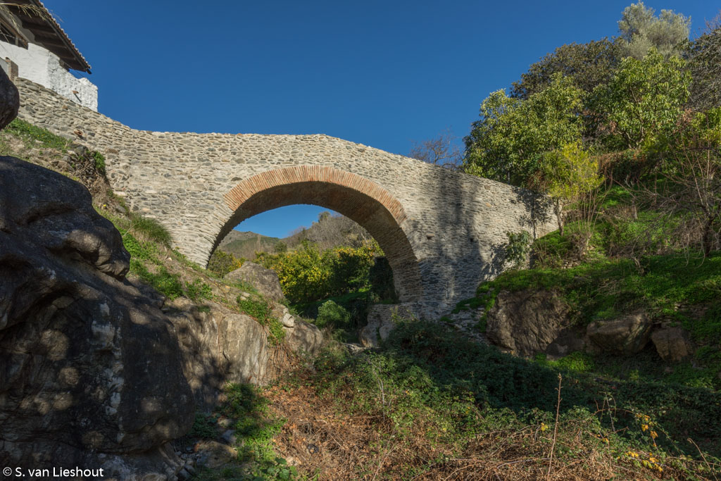 Arabic bridge Salares