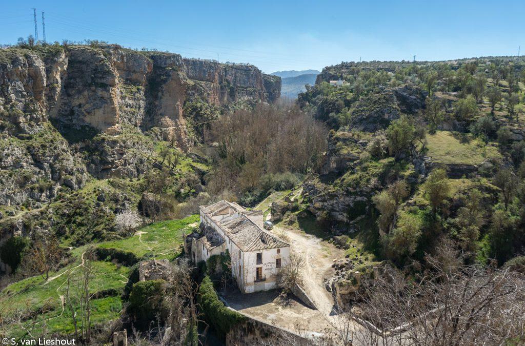 Alhama de Granada staat aan de rand van de afgrond