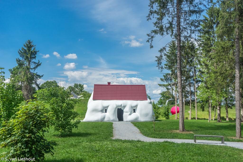 Sculptuurpark Graz wit huis