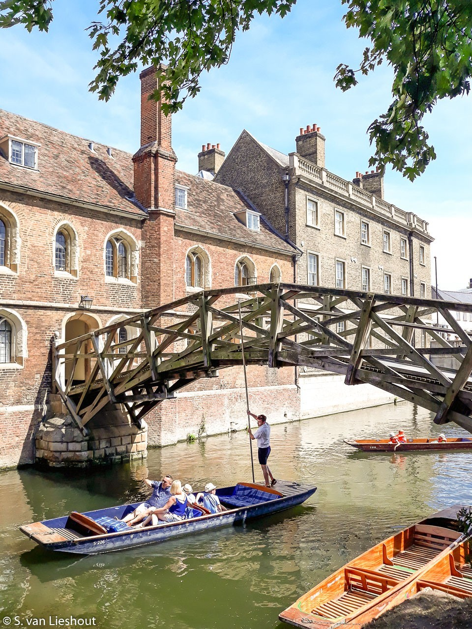 Punting Cambridge mathematical bridge Queens College