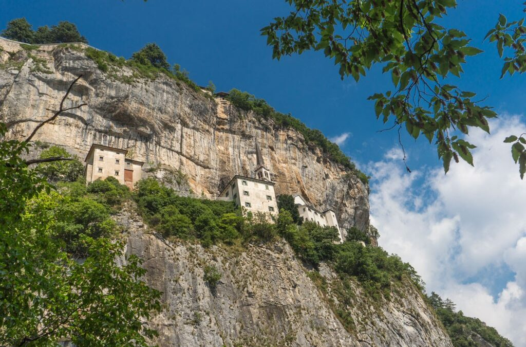 Madonna della Corona – between a rock and a hard place