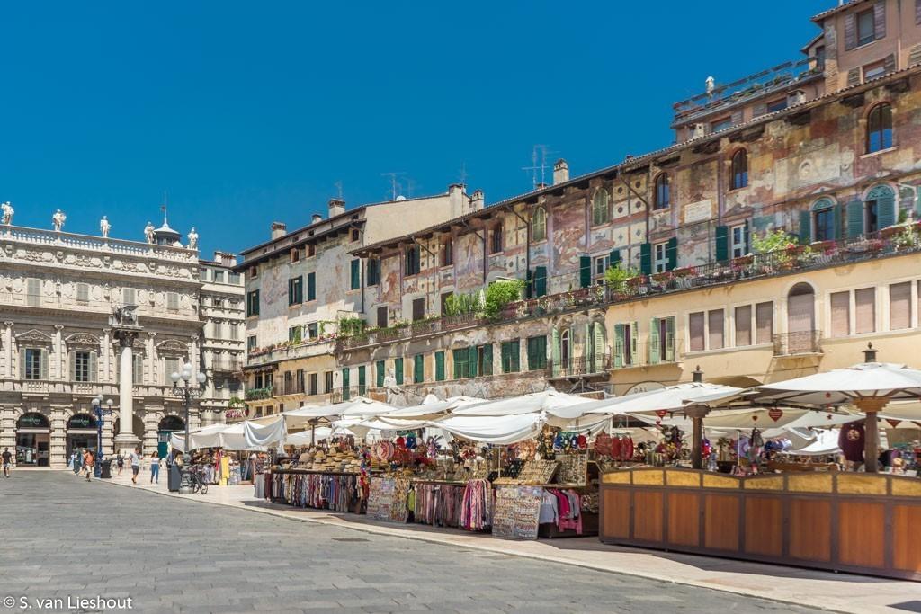 Verona Piazze delle Erbe