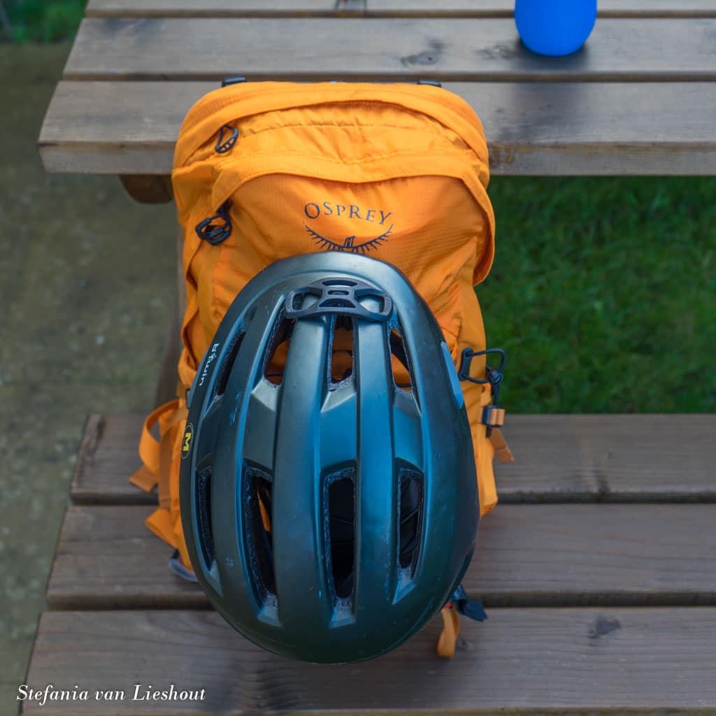 dagrugzak met fietshelm