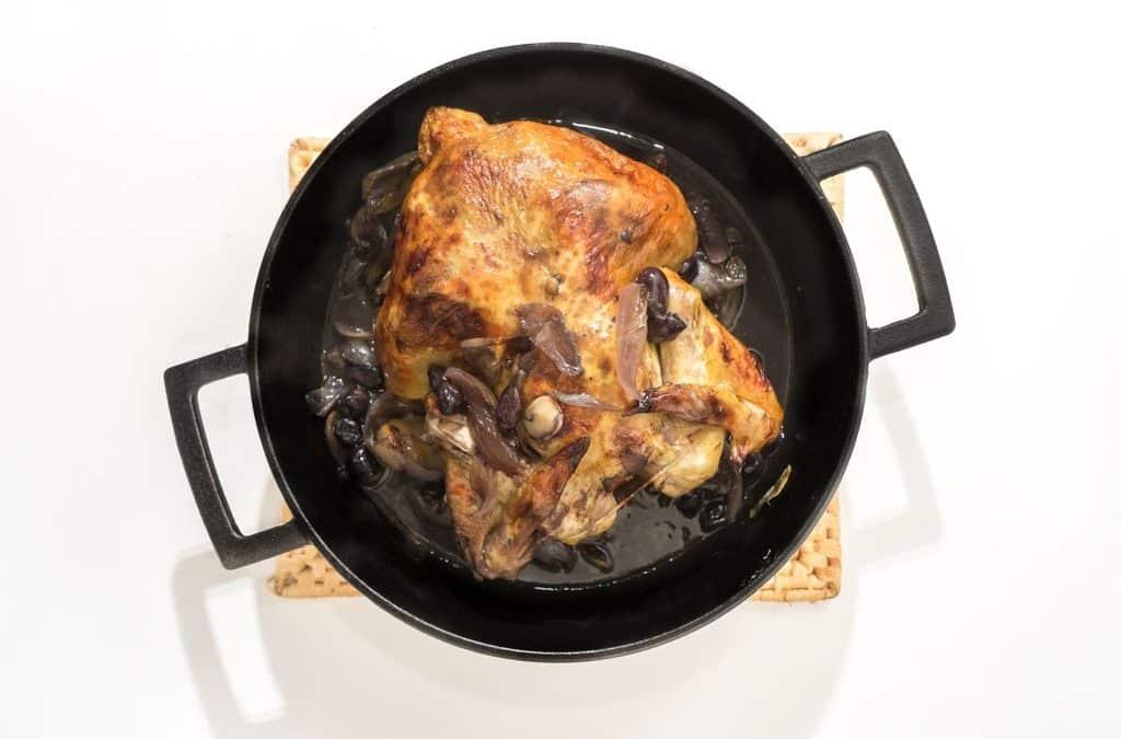Gevulde kip uit de oven met dragon en druiven