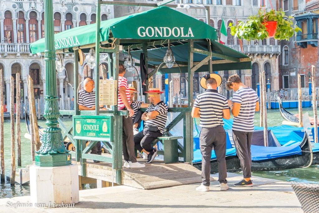 Gondoliers Venetië